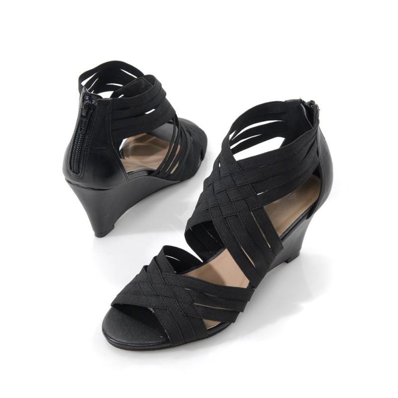 Dámské sandály na podpatku