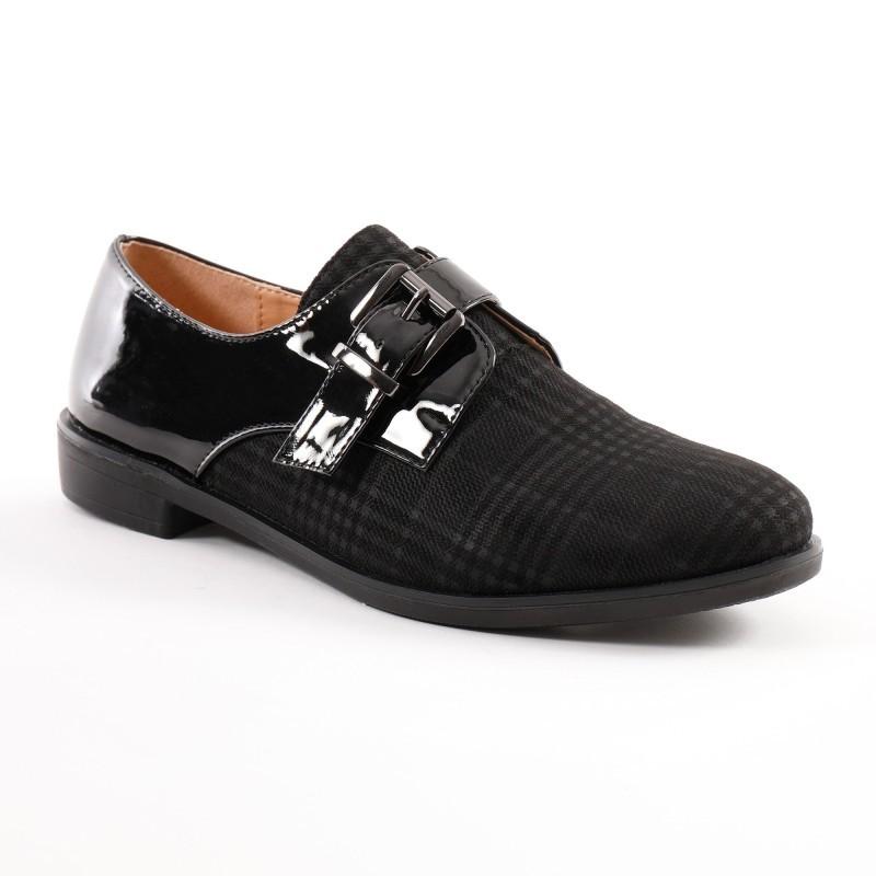 Sandály s výšivkou
