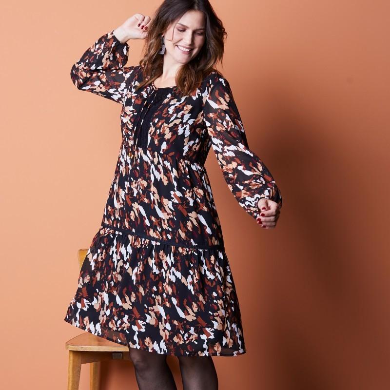 Šaty s geometrickou potlačou,dlhé rukávy