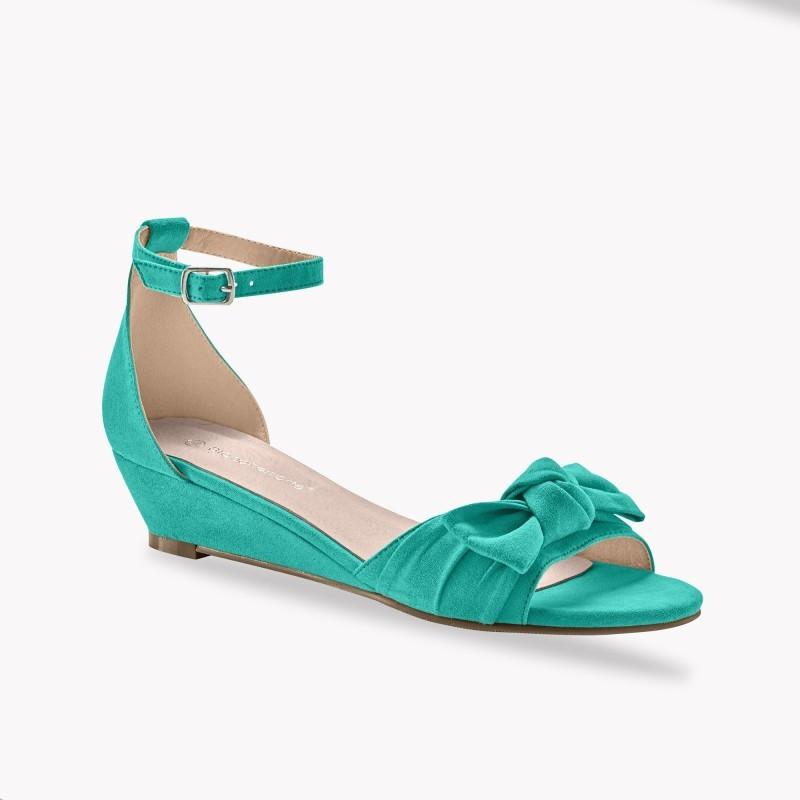 Sandály na klínku s mašlí