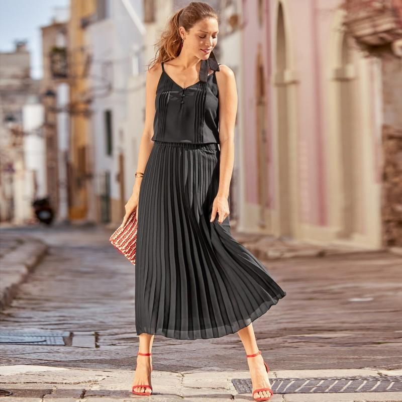 Jednofarebná plisovaná sukňa