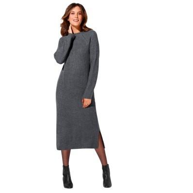 Pulovrové šaty se stojáčkem