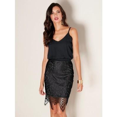 Večerné šaty s čipkovanou sukňou