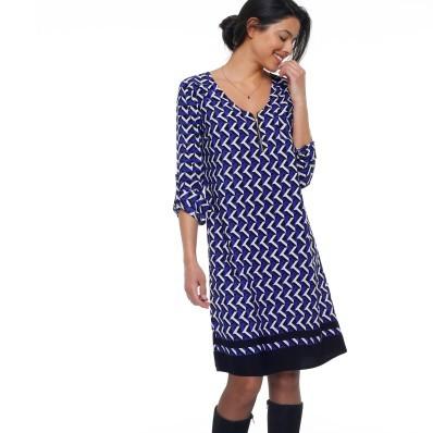 Šaty so zipsom a grafickým dizajnom